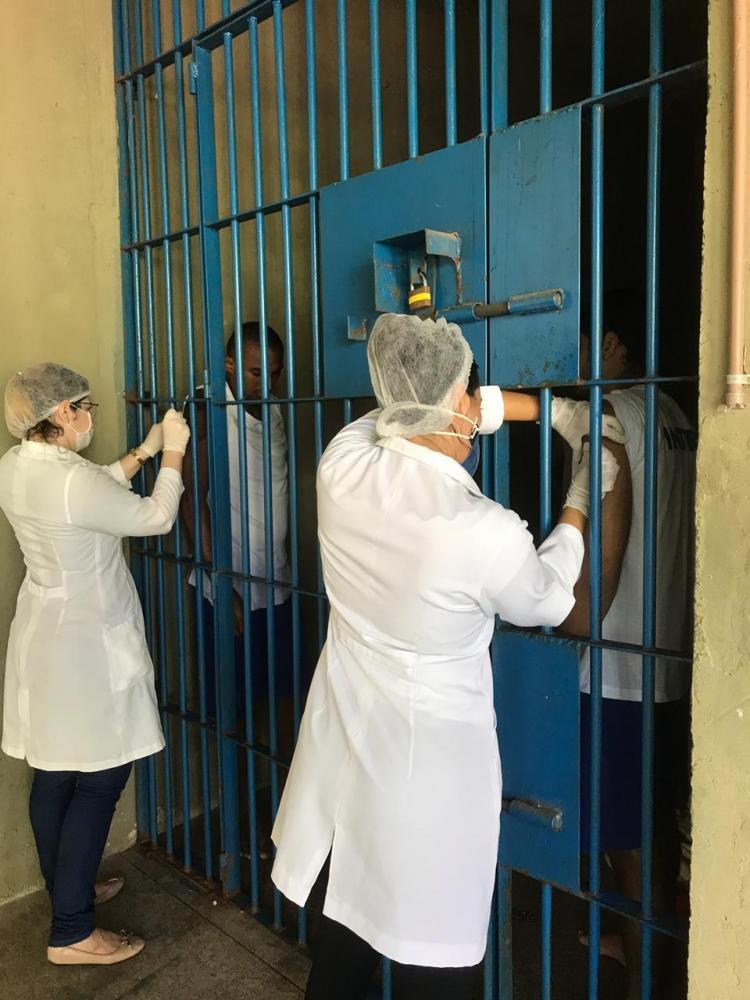 Sejus aplica mais de 2 mil vacinas contra gripe nos presídios do Piauí