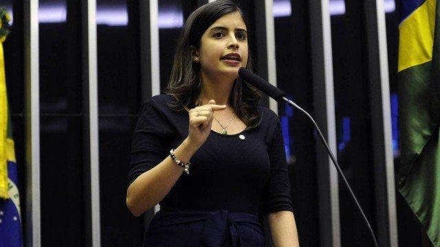 A deputada Tabata Amaral (PDT - SP) declarou voto favorável à reforma contrariando a orientação do partido