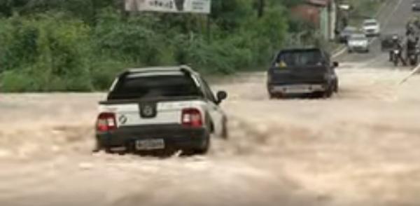 Reportagem mostra estragos deixados pelas fortes chuvas em Teresina-PI